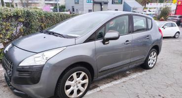 Peugeot 3008 1.6 HDi 112CV  2012